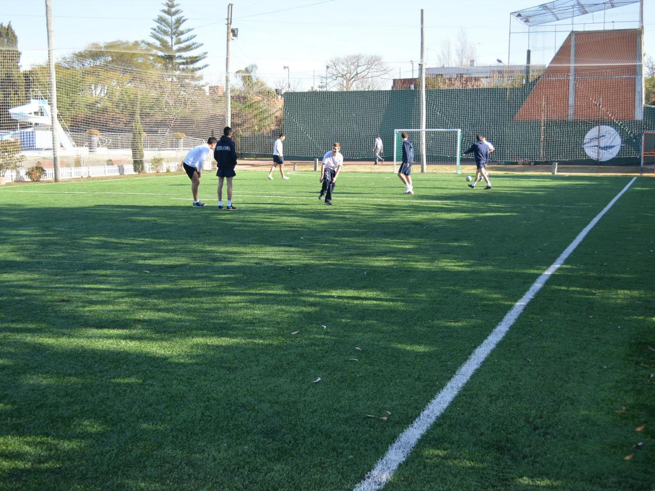 Cancha de Fútbol 5 en Sede Carrasco del Club Naval 7b072d9fa0024